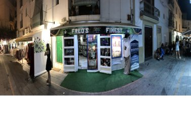 Retail transfer in harbor area old town Ibiza